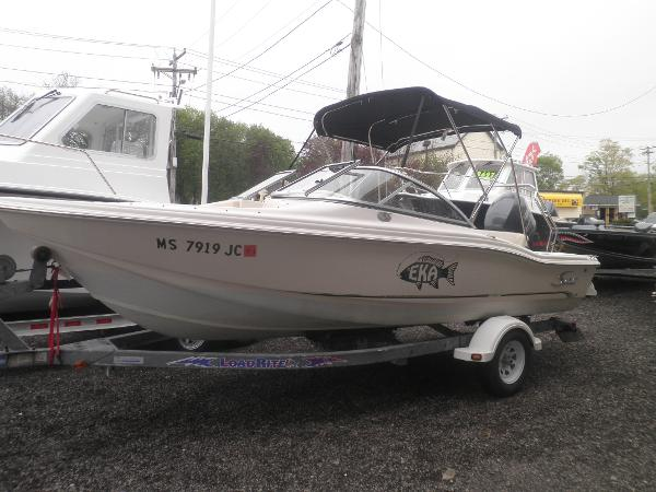 2005 Scout Boats 180 DUAL CONSOLE