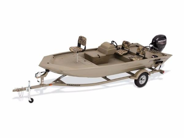 2017 TRACKER BOATS GRIZZLY 1754 MVX SC With Trailer