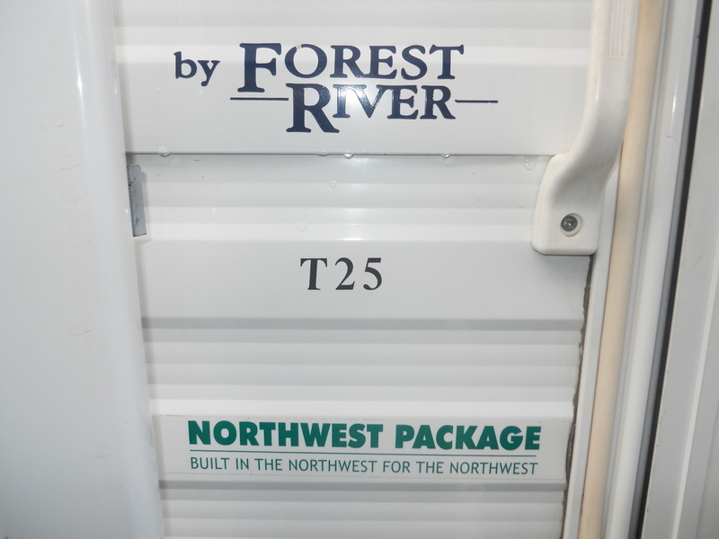 2005 Forest River Wildwood t-25rk, 6