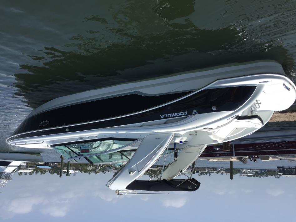 2009 Formula Yachts 310 Br