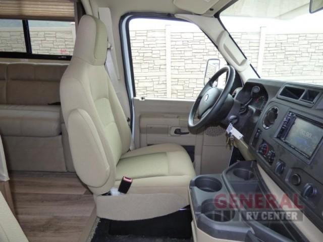 2017 Thor Motor Coach Four Winds 30D Bunkhouse, 7