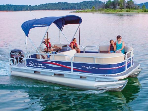 2017 TRACKER MARINE PARTY BARGE 18 DLX