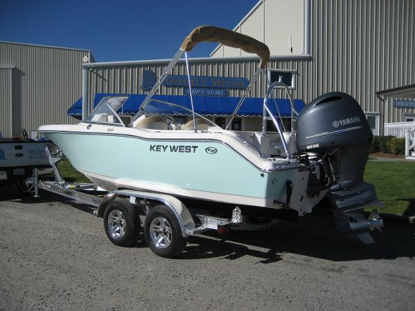 2017 Key West 203 DUAL FAMILY SPORT