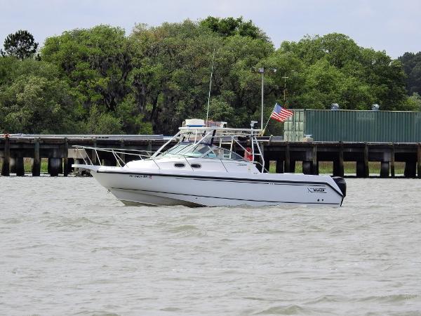2003 Boston Whaler Conquest 295