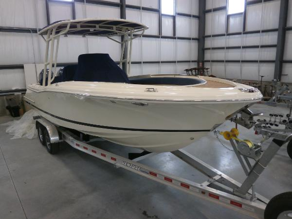 2014 Chris-Craft Catalina