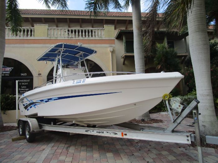 2006 Glasstream 242 CCX
