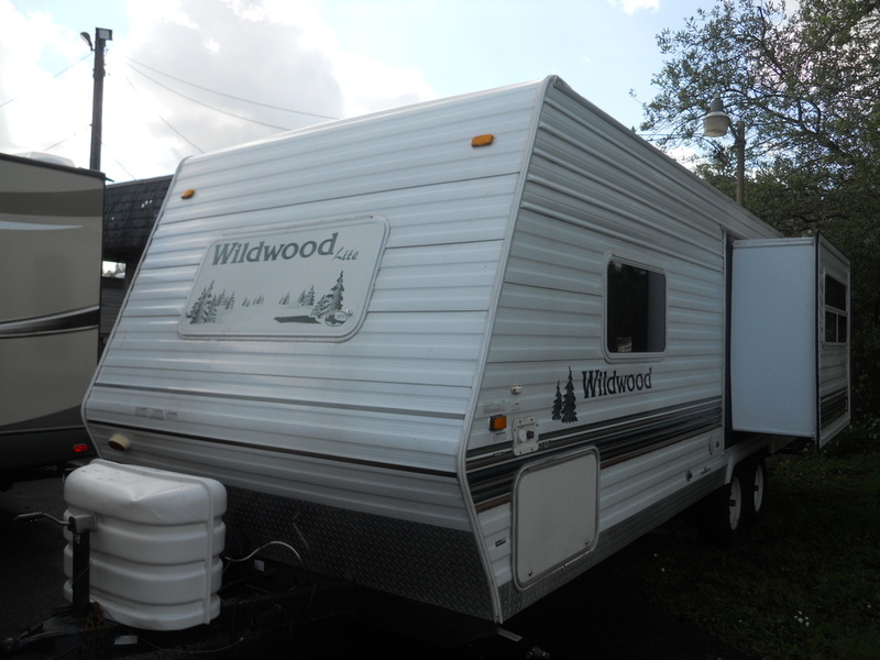 2005 Forest River Wildwood t-25rk