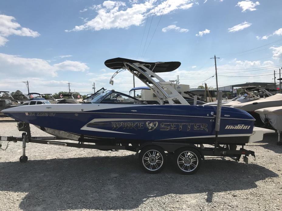 2013 Malibu Boats LLC Wakesetter 22 MXZ