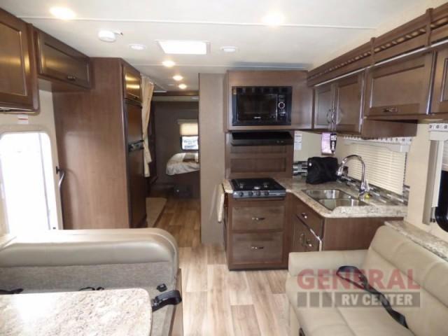 2017 Thor Motor Coach Four Winds 30D Bunkhouse, 1