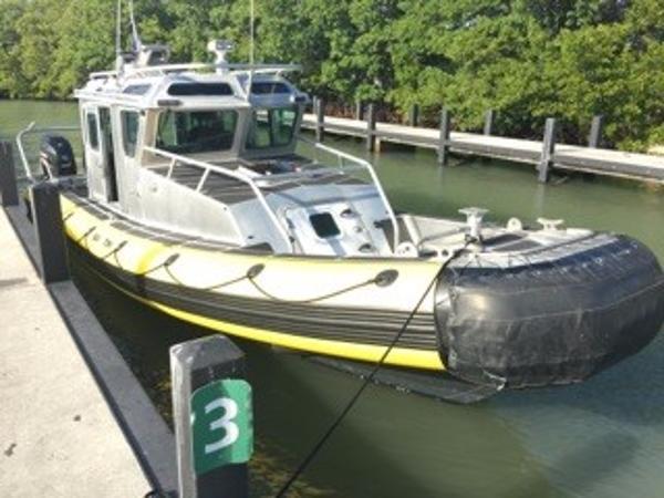 2007 SAFE 31 Patrol Boat