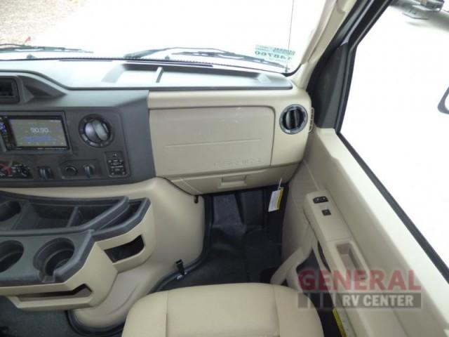 2017 Thor Motor Coach Four Winds 30D Bunkhouse, 9