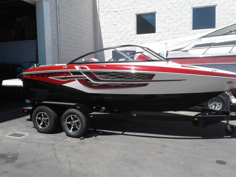 2017 REGAL BOATS 1900 ESX