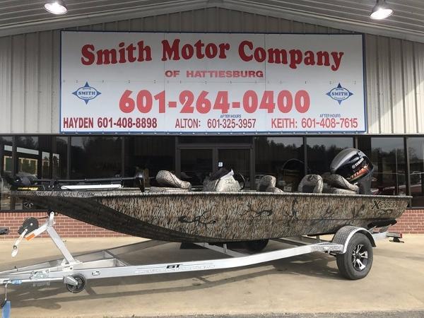 2017 Xpress Boats Xplorer Catfish Series XP185