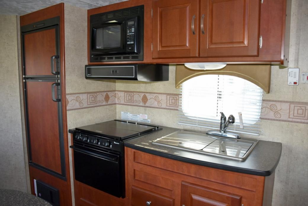 2011 Forest River WILDWOOD 22RBXL, 4
