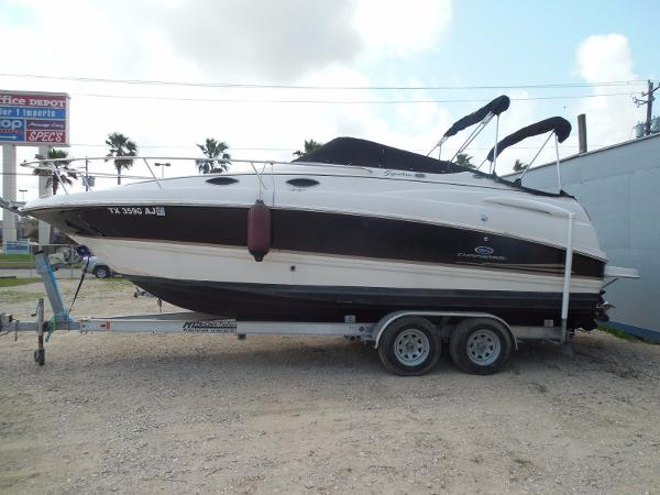 2005 Chaparral 240 Signature Cruiser