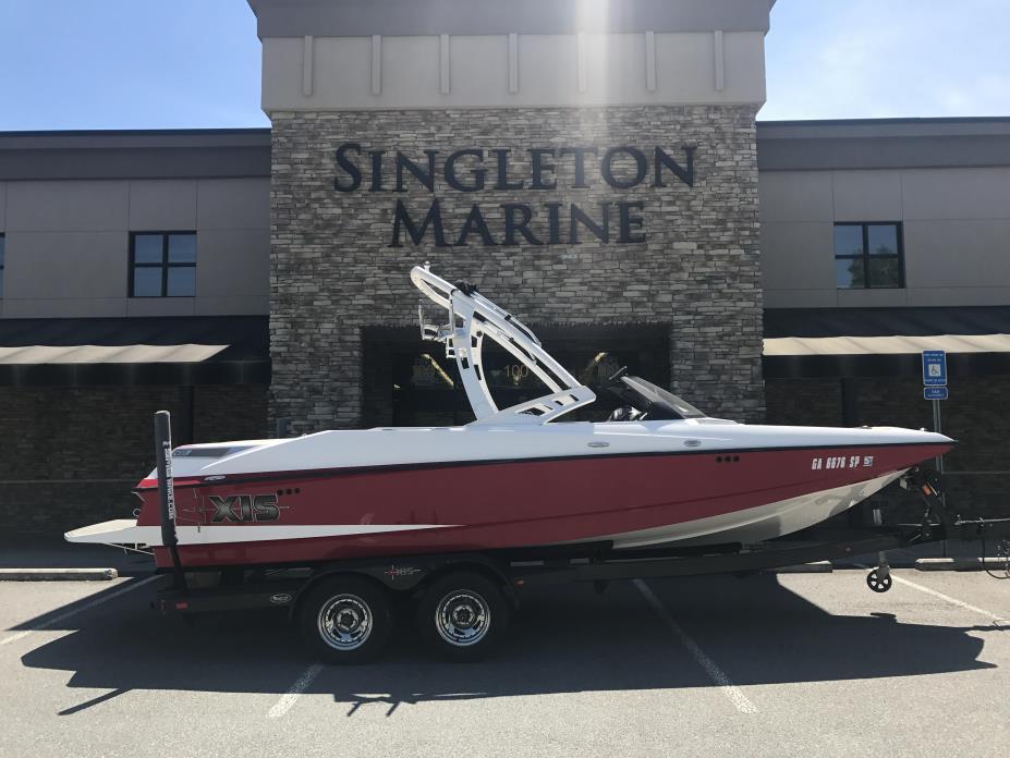 2013 Malibu Boats LLC Axis A22