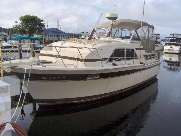 1982 Chris Craft 351 CATALINA