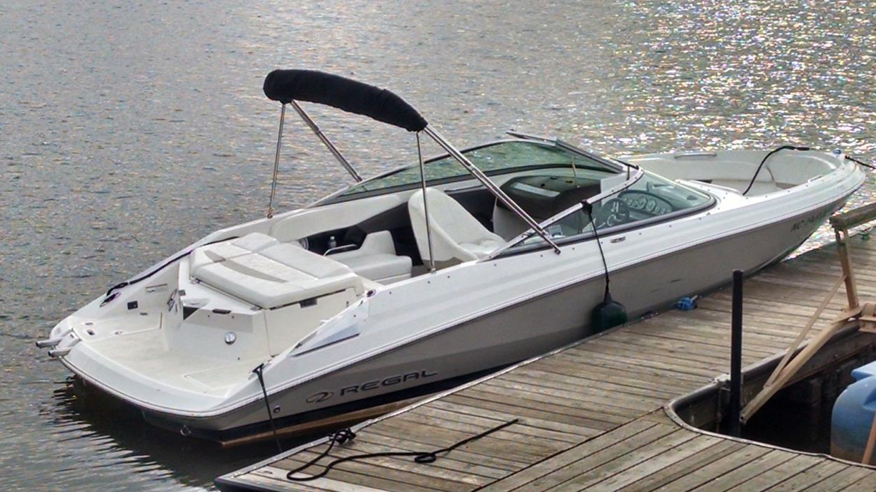 2007 Regal Bowrider 2200 5.7 L