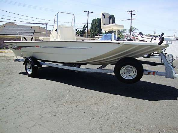 2017 Alumacraft MV1860 AW Bay