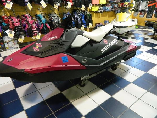 2015 Sea-Doo Spark 2up ROTAX 900 ACE Convenience Package