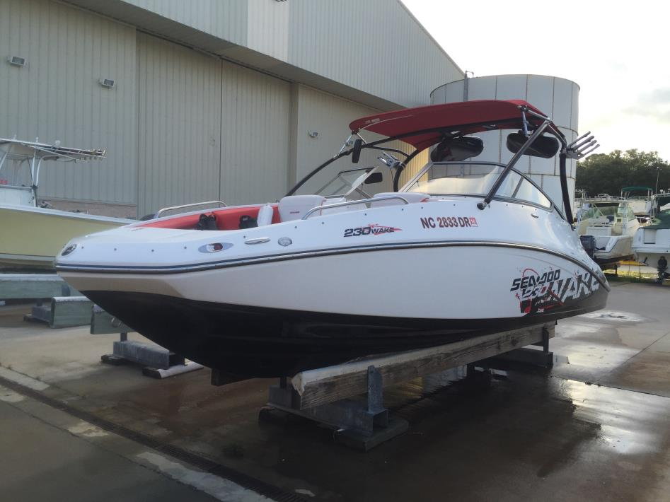 2010 Sea Doo Wake 230