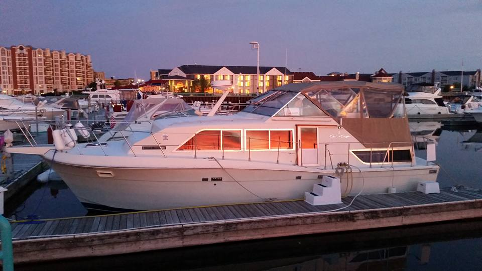 1987 Chris Craft Catalina 381