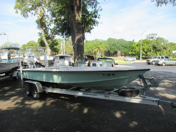 2006 Hewes 21 REDFISHER