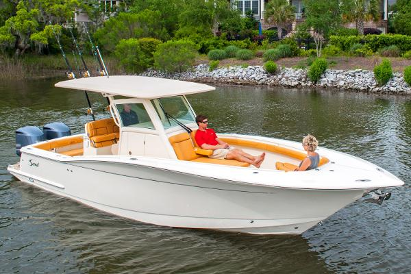 2017 Scout Boats 300 LXF