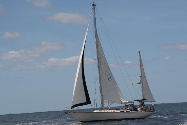 1999 Migrator Yachts Block Island 40 by Bill Hinckley Bermuda 40 designer