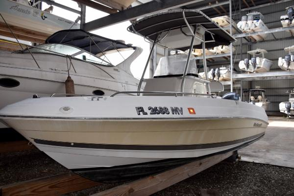 2005 Wellcraft 212 Fisherman