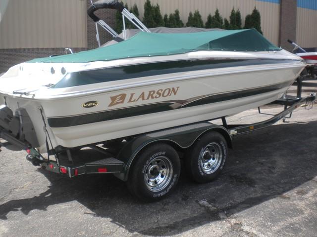 2002 Larson 210LXI
