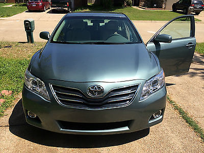 Toyota : Camry LE PERFECT RUNNING CAR LIKE NEW.