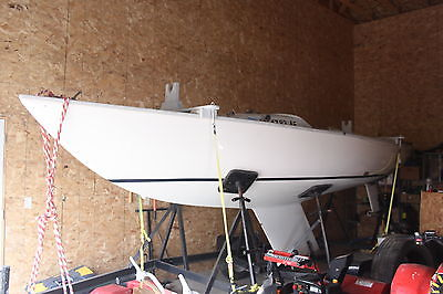 1994 YNGLING SAILBOAT WITH TRIAD TRAILER AND MANY SETS OF SAILS