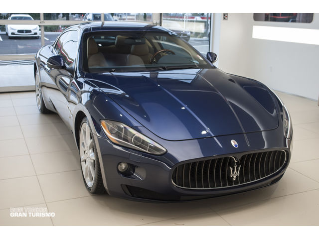 Maserati : Gran Turismo Base Coupe 2-Door 20 astro alloy wheels blue brake calipers contrasting stitching in blue