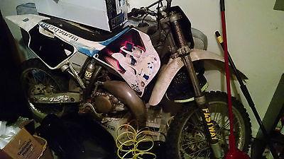 Husqvarna : CR125 2-Stroke Dirtbike Husqvarna CR125 2-stroke Dirtbike