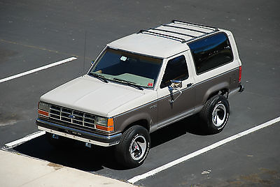 Ford : Bronco II XLT Sport Utility VERY CLEAN, 2.9L V6, MANUAL, 4X4, A/C, GREAT INTERIOR & PAINT, POWER STEERING