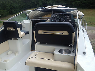 1989 Carver Cabin Cruiser 2557 Montego Like New No Problems