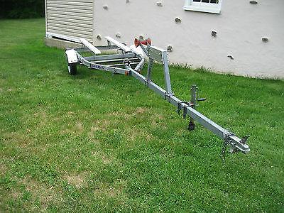 LoadRite 16' Boat Trailer - Model: 16V1000