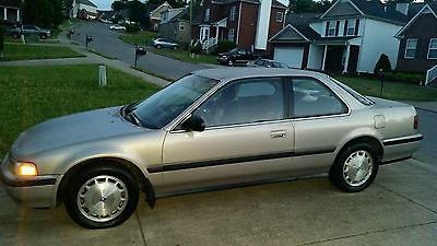 Honda : Accord LX 1990 honda accord lx 2 door stick shift 300 k miles clean interior new tires
