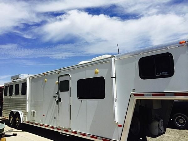 2005 Hart 15 amp 039 Bunk Bed, 4 Horse Slant Load Gooseneck Horse Trailer With Living Quarters