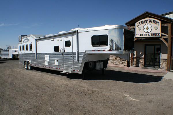 2011 Bloomer 16 amp 039 LQ slide w bunkbeds, 4 Horse Slant Load Gooseneck Horse Trailer With Living Quarter