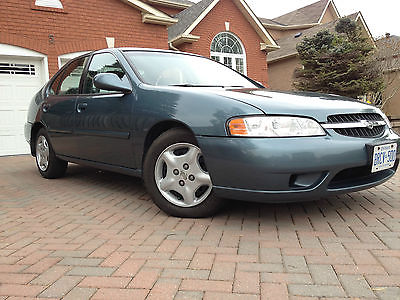 Nissan : Altima GXE 2001 nissan altima gxe 145 000 kms great condition with summer winter tires