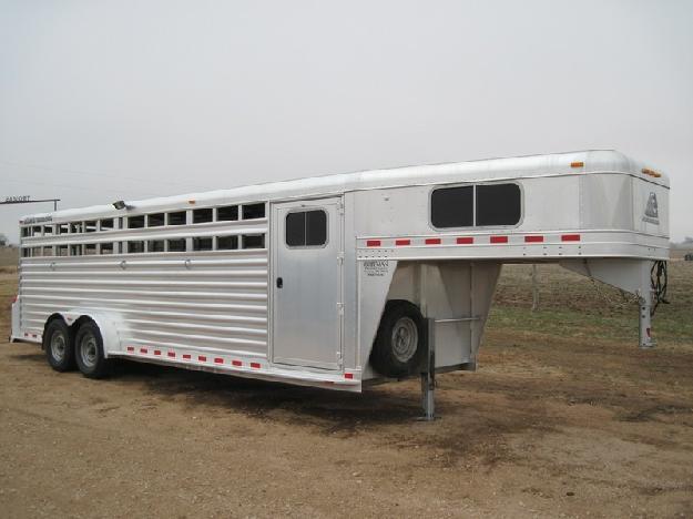 Stock 2011 Elite trailer Gooseneck