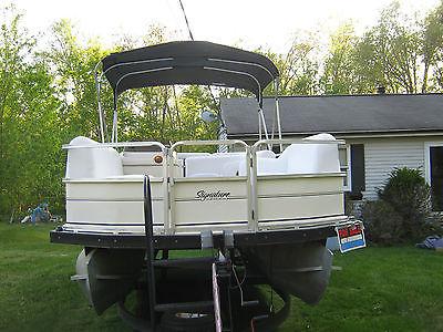 2005 Sun Tracker Pontoon boat 21' 90HP