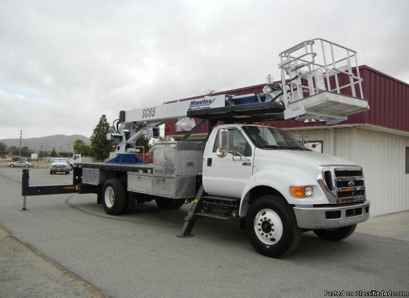 2013 Ford F750 Bucket Boom Truck - 20008