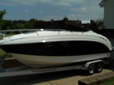 2007 Chaparral 250 Signature 250 Cruiser 27' with 350 Mercruiser MPI Bravo 3 Dri