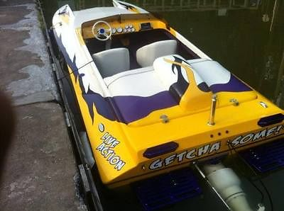2002 Liberator 21 TJ Tunnel Hull Jet Boat Chevy 502 V-8 Low Hours