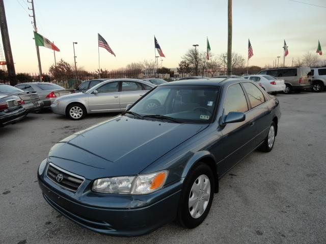 2001 Toyota Camry 4dr Sdn CE Automatic 110K Miles Cold AC