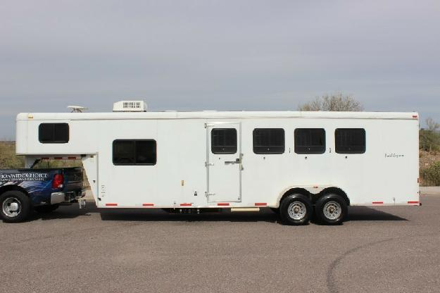 2007 Bison 480TE Trail Express 4 Horse Gooseneck Trailer W Lg