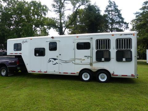 Reverse Slant, 3 Horse, Custom for Warmbloods, 8ft wide x 7.5ft tall, 6ft Short Wall Dressing Rm, Fully Insulated, Camer